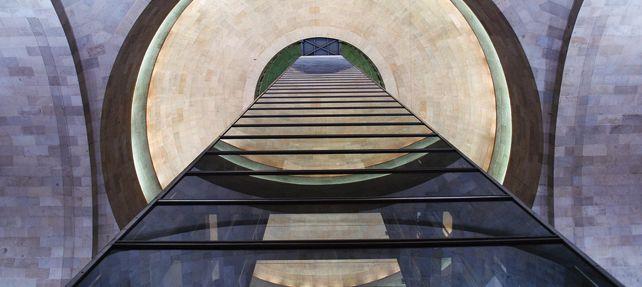 ¿Puedo librarme de los gastos de instalar o renovar el ascensor? La doctrina del Tribunal Supremo