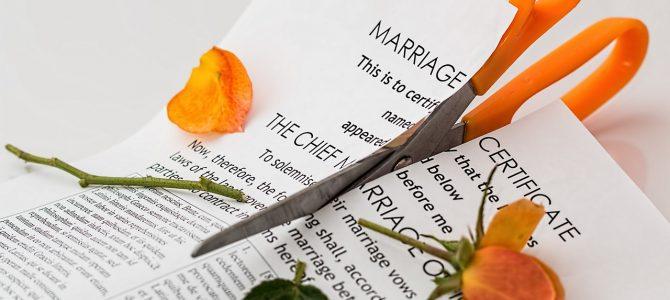 ¿Quién paga los gastos de comunidad después del divorcio?