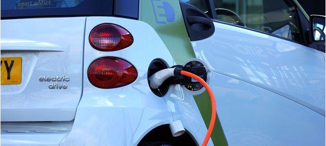 La instalación de puntos de carga de coches eléctricos en las comunidades de propietarios