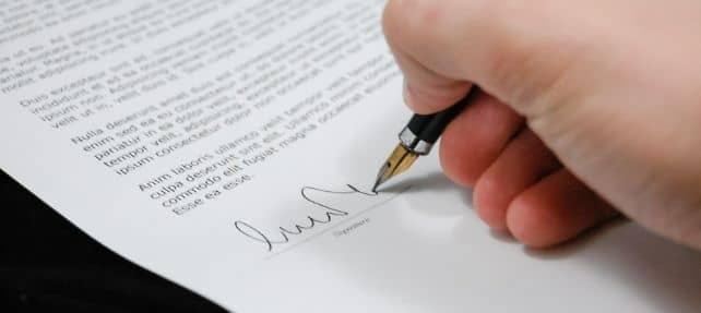 Cuando se firma un anexo al contrato de alquiler, ¿hay un nuevo contrato o solo se modifica? 2/2